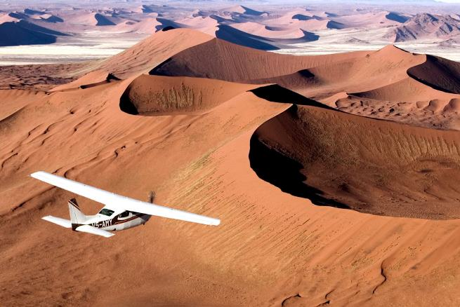 Schoeman's flying safari over the Namibian desert