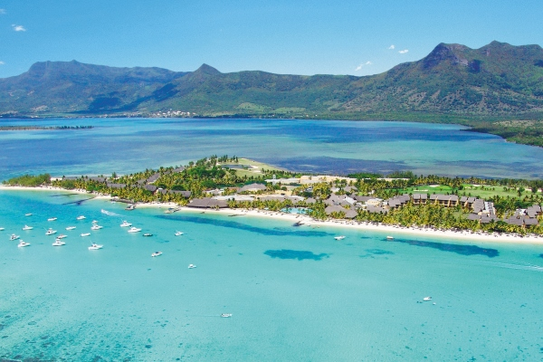Excellent diving in the warm, calm seas around Mauritius, Le Paradis