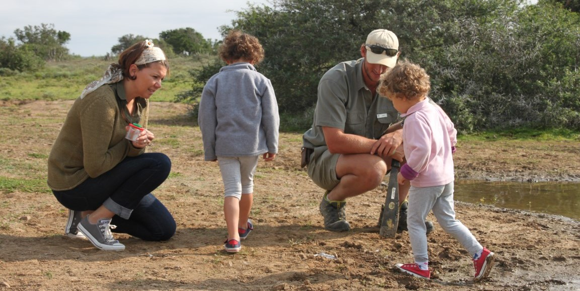 ranger tracking game with children