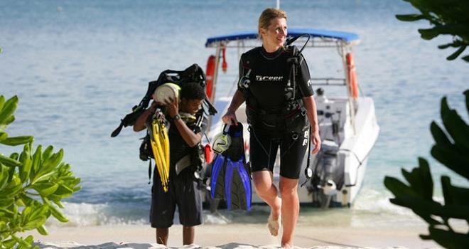 Dive boat, Denis Island, Seychelles