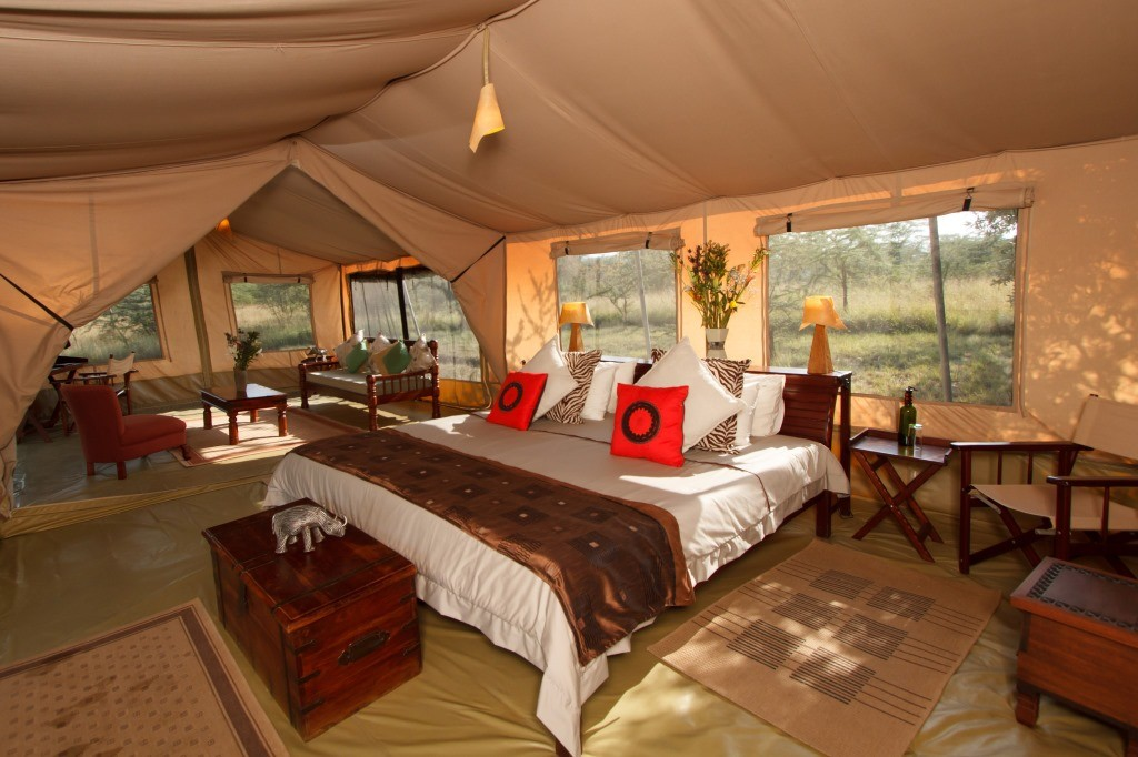 Luxury spacious tented Leleshwa Camp, Masai Mara, Kenya