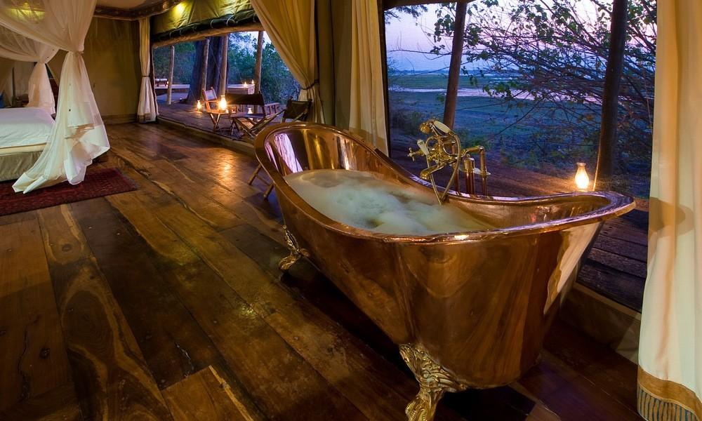 copper bath tub at Zarafa Camp, Botswana. Image credit: Great Plains Conservation