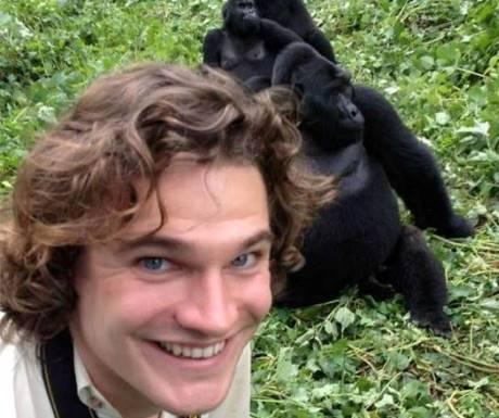 Mountain gorilla selfie