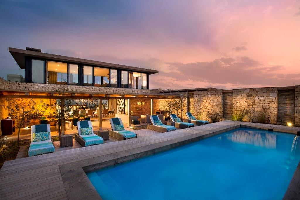 Morukuru Ocean House pool, South Africa -African beach villas