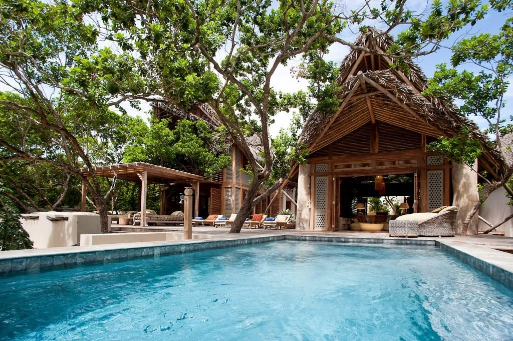 Vamizi Villas pool - Suluwilo Mozambique African beach villas