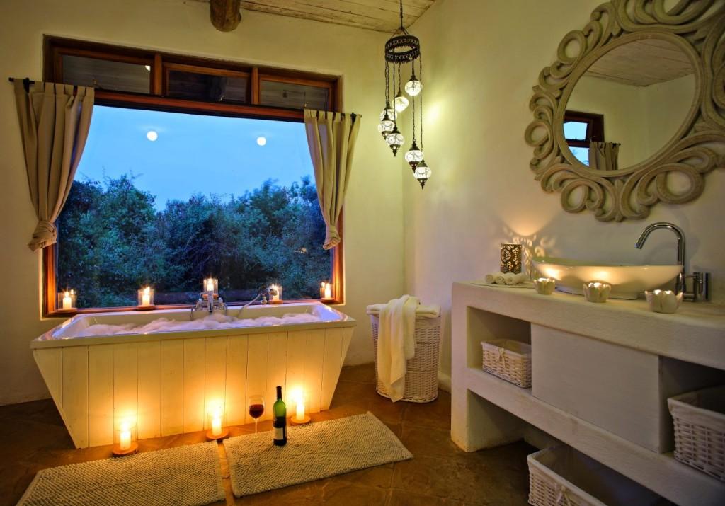 His and bers luxury bathroom, Cottar's Private Homestead, Masai Mara, Kenya