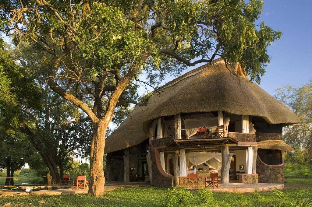 Luangwa Safari House Exterior Tree South Luangwa Zambia X