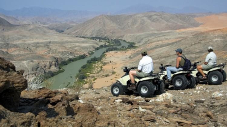 NAMIBIA: DESERT PLAYGROUND