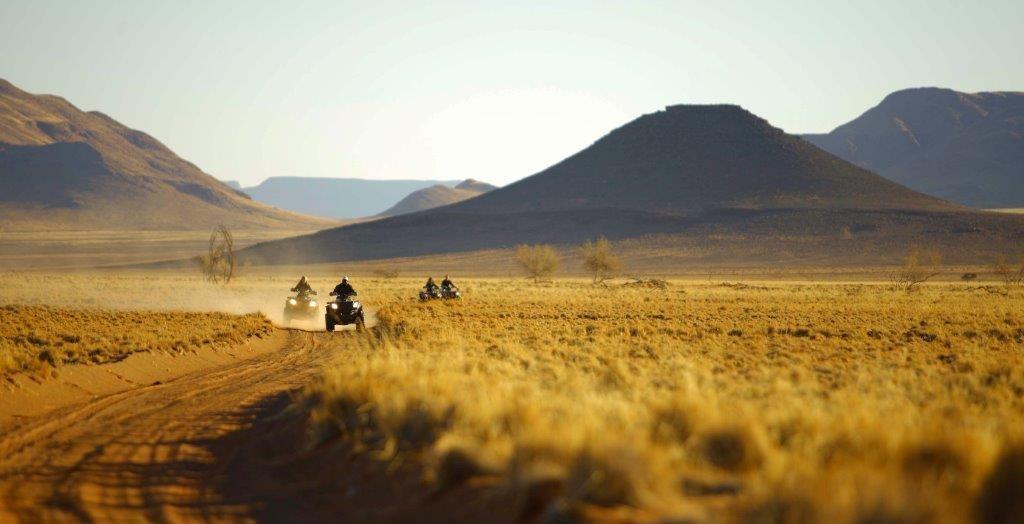 Left field quad Sossusvlei_desert_lodge_Quadbiking14