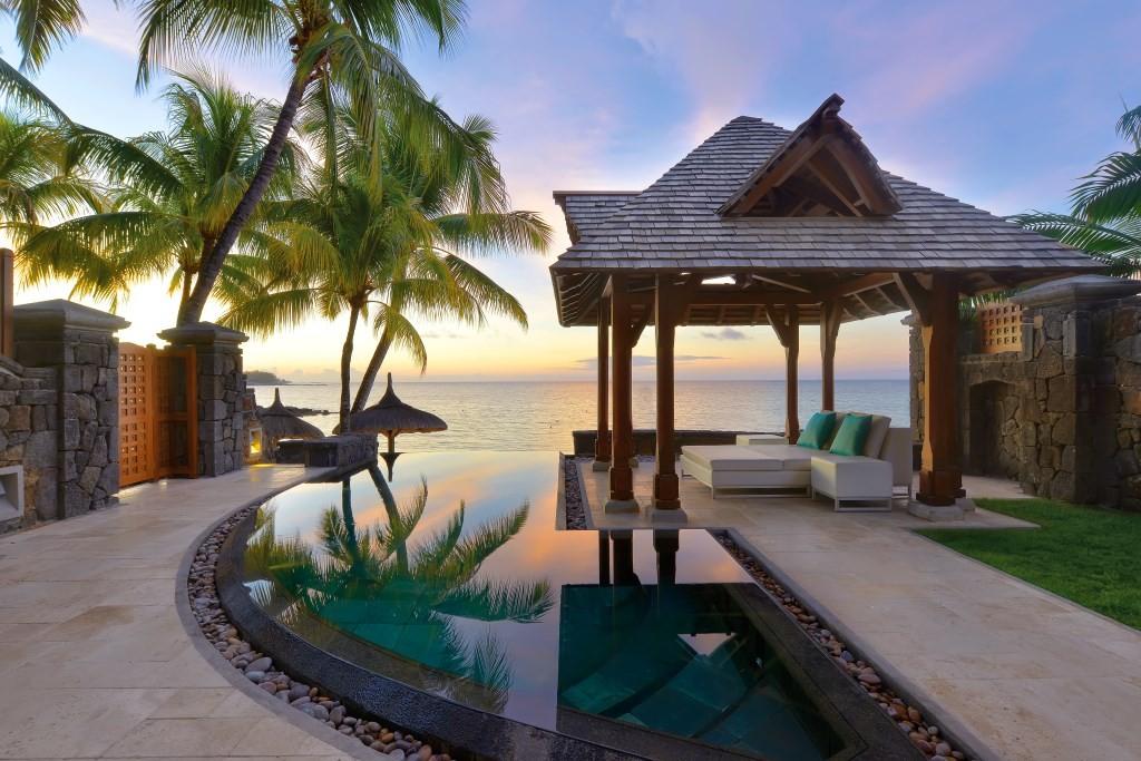 Calendar November Mauritius Royal Palm