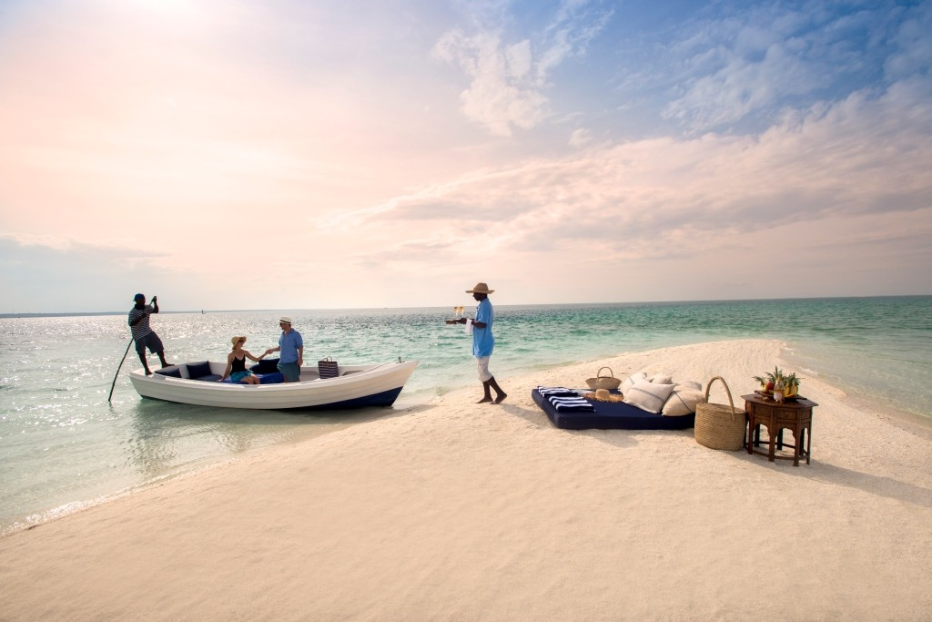 benguerra_lodge-mozambique-beach-romantic-picnic