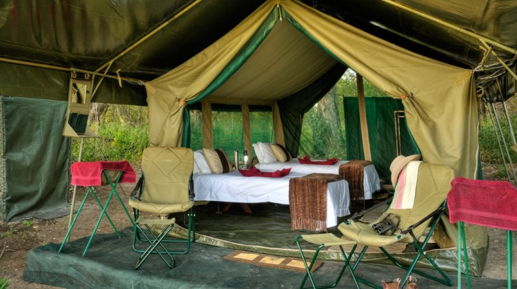 Mobile tented camp, Footsteps