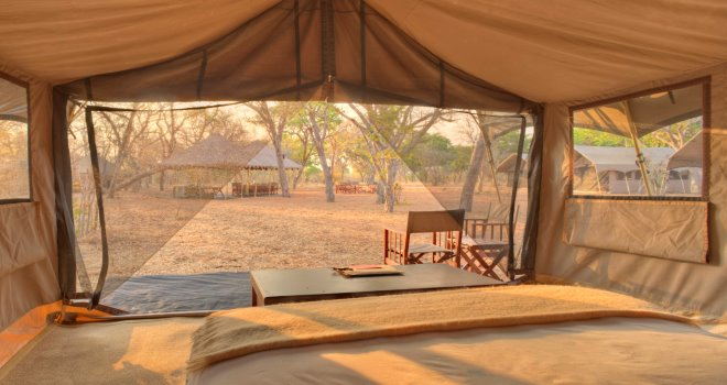 slider_chobe-under-canvas-bedroom.jpg