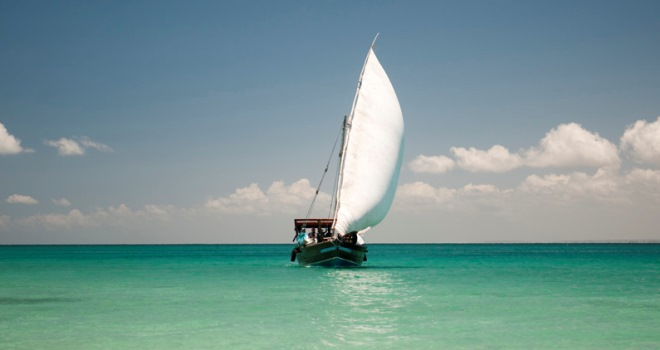 slider_mozambique-ibo-island-dhow-safari-under-full-sail.jpg