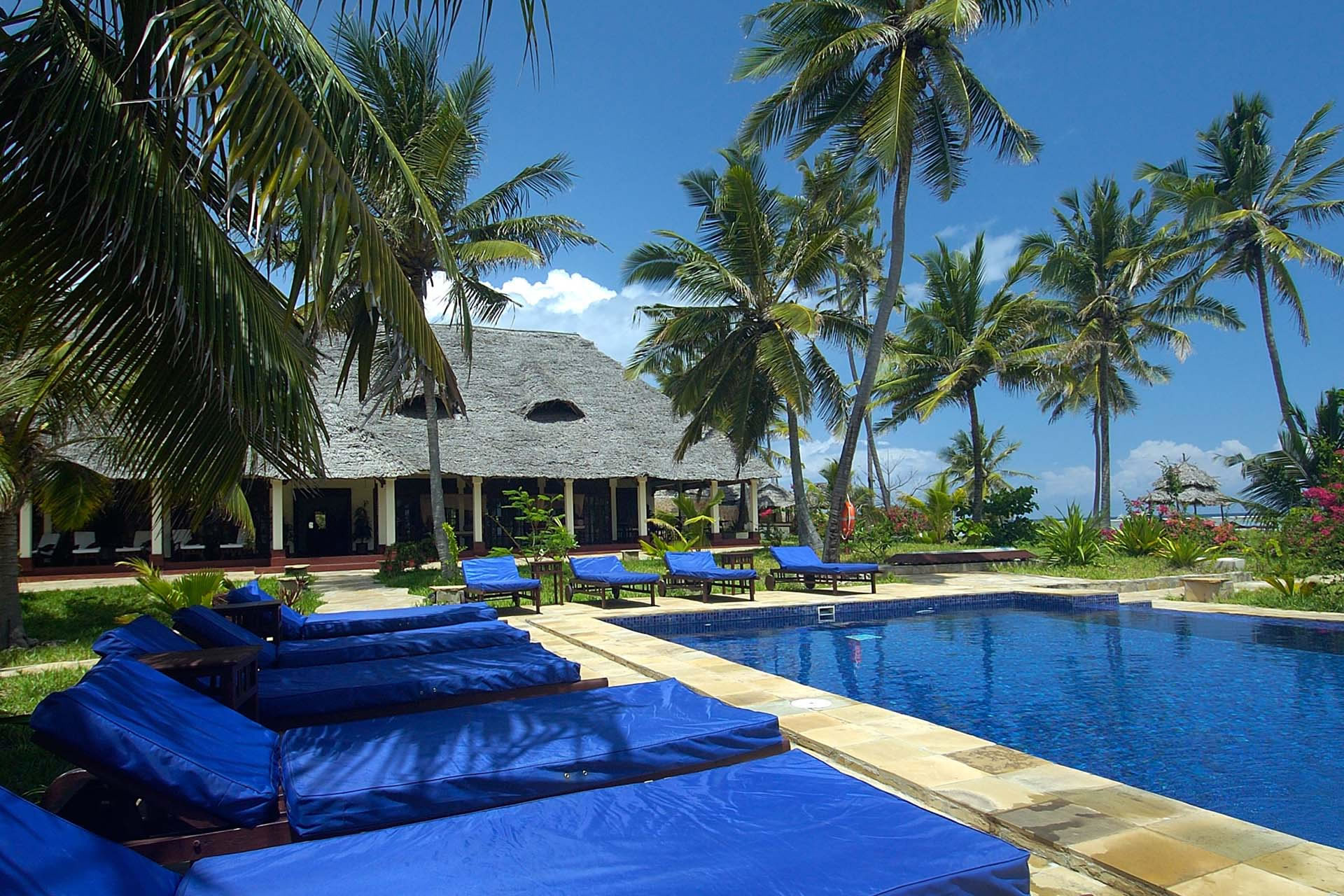 The Palms, Zanzibar pool