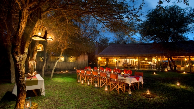 day on safari dinner Tanda Tula