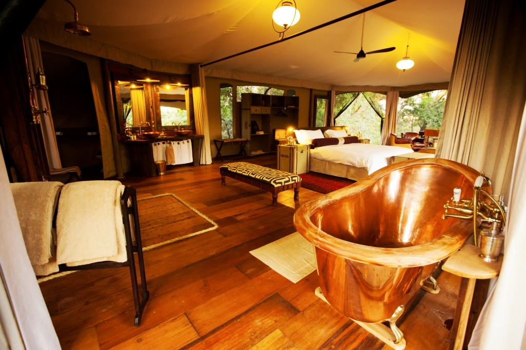 _Copyright_Beverly_Joubert_Mara_Plains_Camp_Kenya_copperbath