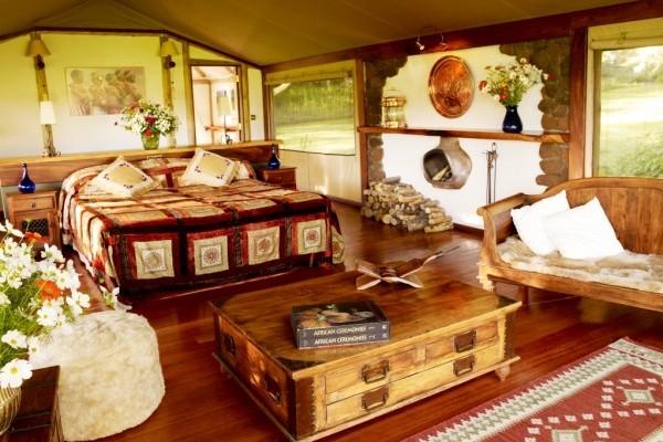 Bedroom suite luxury tent at Sirikoi