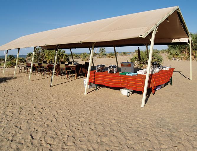 Lobolo mess tent, Lake Turkana