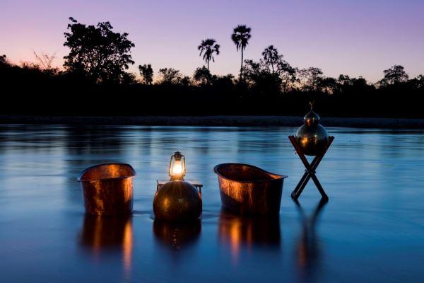 Botswana - Selinda Explorer 4 copper bath tub
