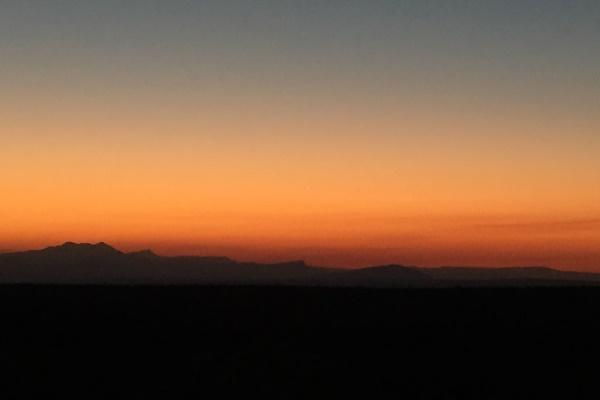 IMG_1380 Sunset Wait A Little SA 600 400