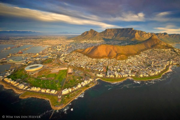 Aerial-Cape-Town-Pic-with-Sea-Point-WimVanDenHeever-SouthAfrica 600 400