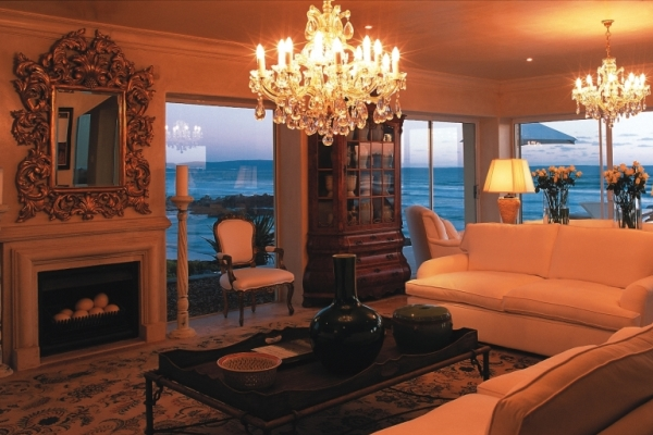 Birkenhead_House_lounge-Hermanus-SouthAfrica-sea-view-@Royal_Portfolio