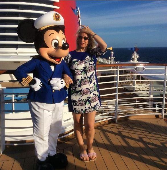 Liz-Jarvis-luxury-travel-blogger-cruise-MickyMouse