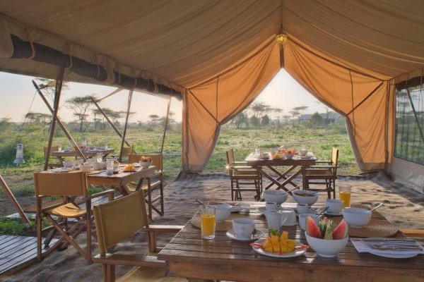 Serengeti-Under-Canvas-Ensuite-Tent-Breakfast-Serengeti-Tanzania