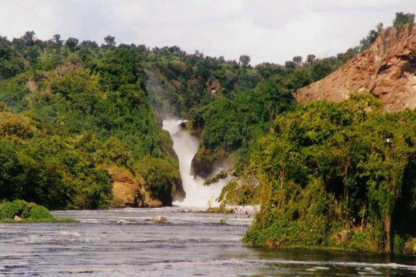 murchison_falls_from_below_wikipedia_uganda