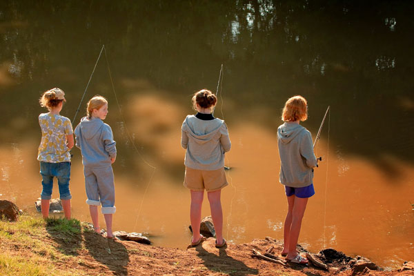 morukuru-kids-fishing-in-madikwe