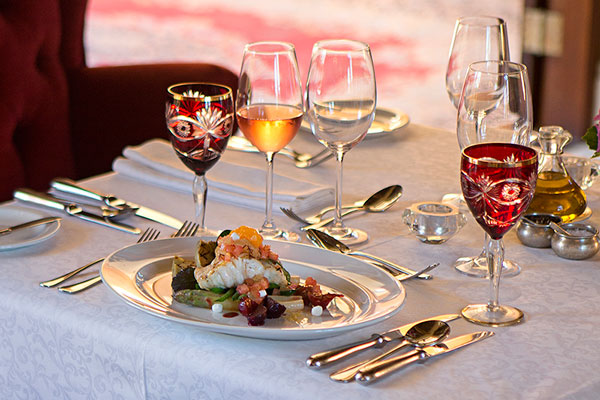dining-meal-food-experience-luxury-frannschhoek-la-residence-theroyalportfolio-600-400