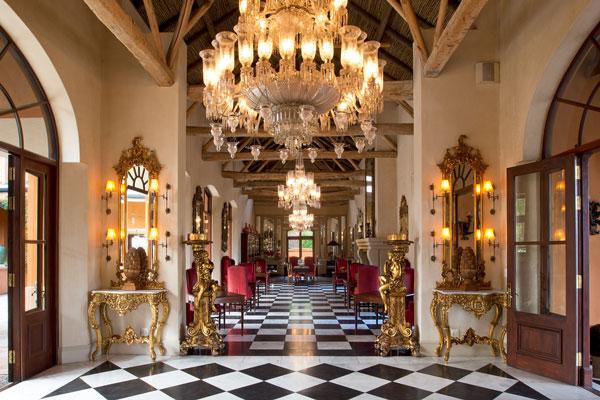 franschhoek-hotel-luxury-chandelier-la-residence-royal-portfolio-600-400