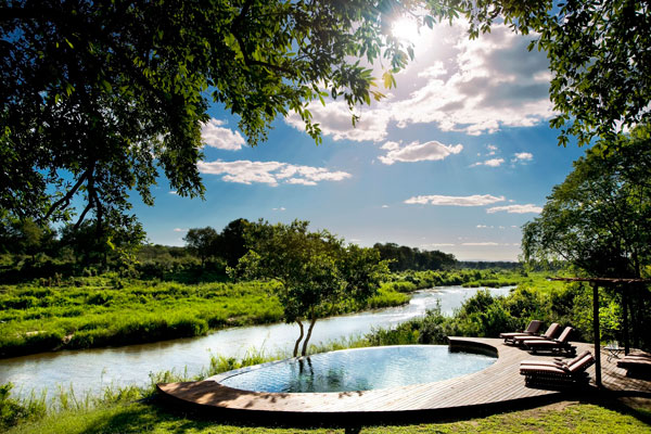 Tinga-Lodge---Main-swimming-pool-Lion-Sands-South-Africa