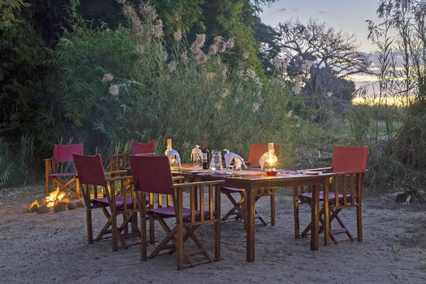 Mandrare-River-Camp-alfresco-dining-madagascar