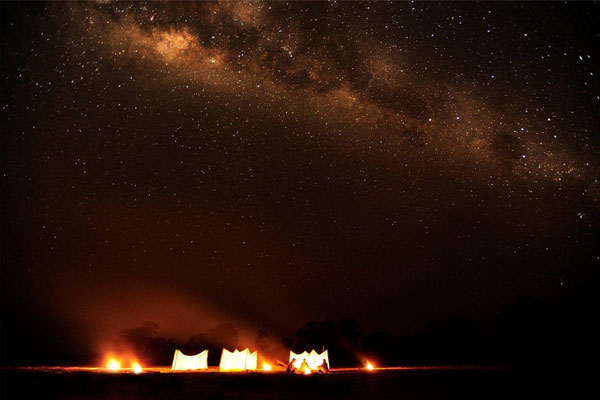 Norman-Carr-Sleepout-South-Luangwa-Zambia-600-400