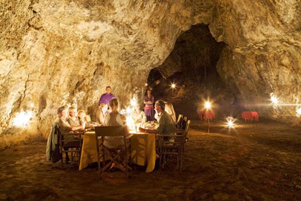 cave-dining-kenya-600-400