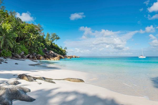 lemuria-seychelles-2016-ab-beach-panorama-04-600
