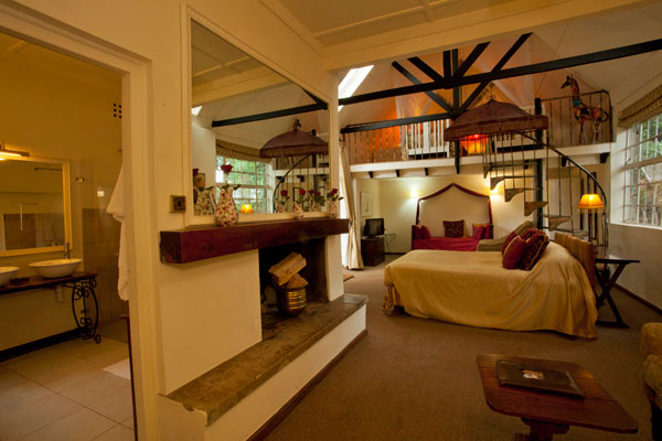 Amazing Hotel Giraffe Manor-Bedroom-Karen-Blixen