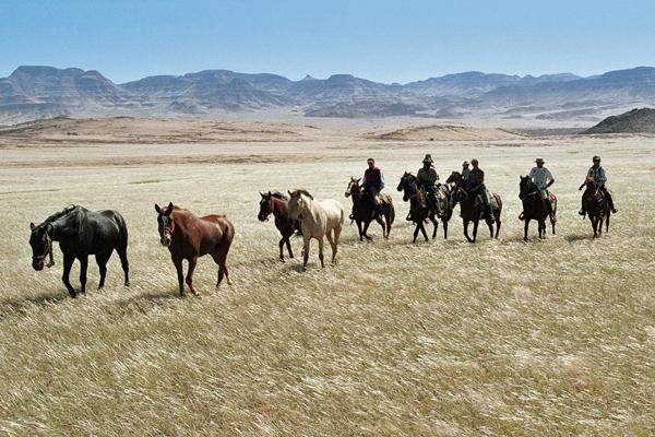 Namib desert ride, Namibia Horse Safaris