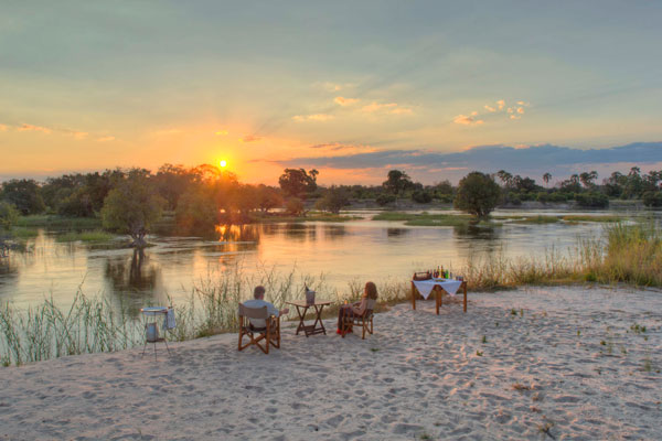 Sundowners, The River Club