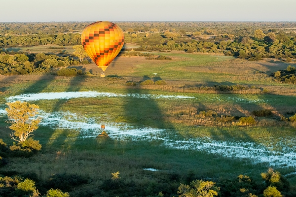 Balloon flight from Vumbura Plains