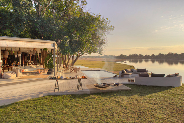 Time + Tide Chinzombo family breakfast - family safari camps in Zambia