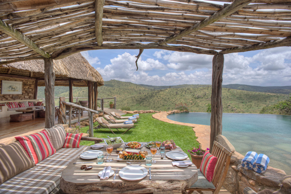 Private lunch dining by the infinity pool at Borana Lodge