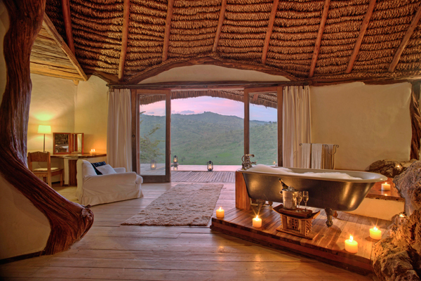 Roll top bath with views over Borana conservancy