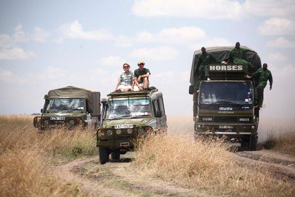Gordie, Felicia and their team en-route to the Masai Mara