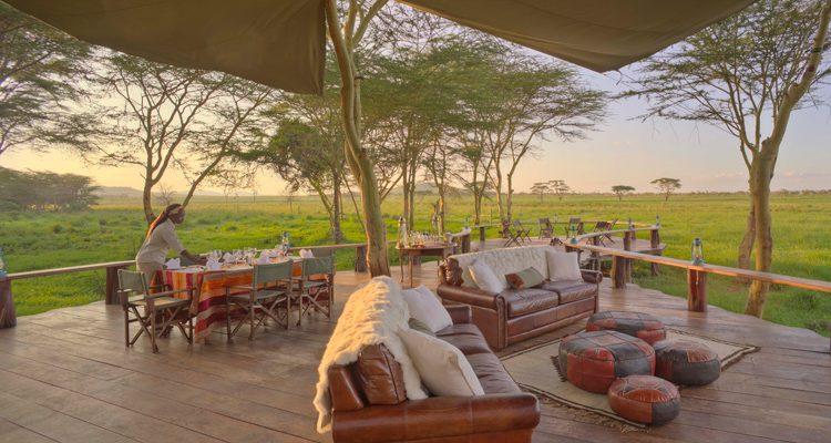 Sirikoi House deck panoramic Kenya - Beyond the Masai Mara