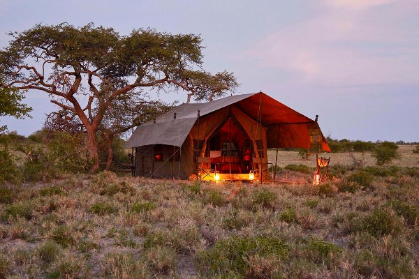 Mobile safari tent, Uncharted Africa