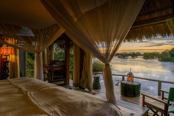A few nights at Victoria Falls makes the perfect introduction to a safari. Sindabezi Island