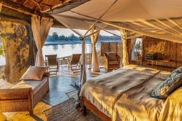 Luxurious accommodation, in prime wildlife country, at Mchenja Camp